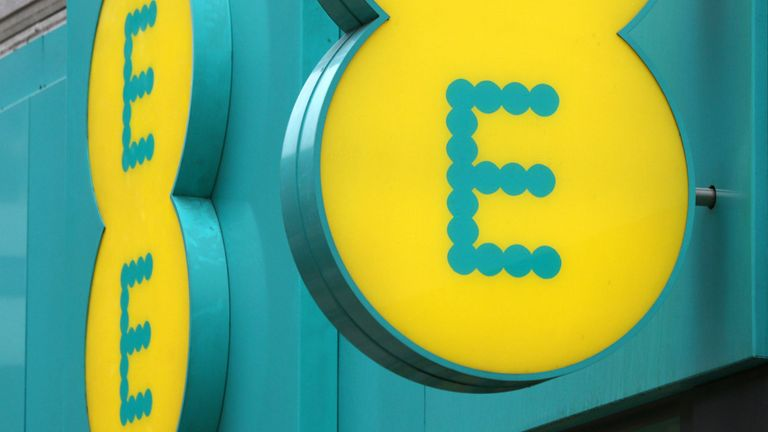 EE to charge customers for using mobile phones in EU from next year